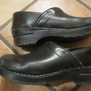 Sanita black Danish professional clogs size 9 euc